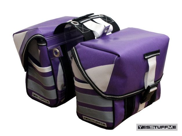 *Eine wunderschöne, individuelle Fahrradtasche, die für kleine sowie für große Fahrräder geeignet ist.   Die Taschen haben jeweils auf einer Seite schmale Außentaschen und große Taschendeckel,...