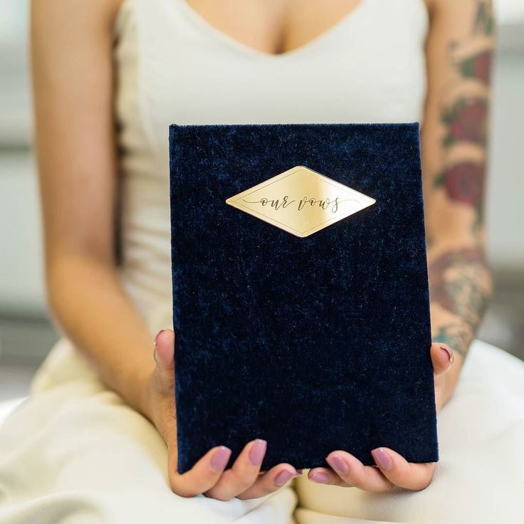 Another one from the styled shoot I planned. Vow book in navy velvet. Can you even??   Planning coordination and creative direction- @olliesstudio  Photography- @sueannsimonphoto  Venue- @cheltenhamtownhall  Styling and floral design- @afmenaevents  Stationery calligraphy and vow book- @olliesstudio  Cakes- @thecheltenhamcakery  Cookies macarons and meringues- @didiscookies  Bridal Jumpsuit- @jessturnercorsetdesign  Evening Dress- Little Black Dress  Suit- @anthonyscollections  Brides shoes…