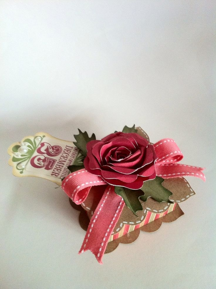 Stunning Christmas Rose box by Everyday Cricut. Made with the Artiste cartridge.