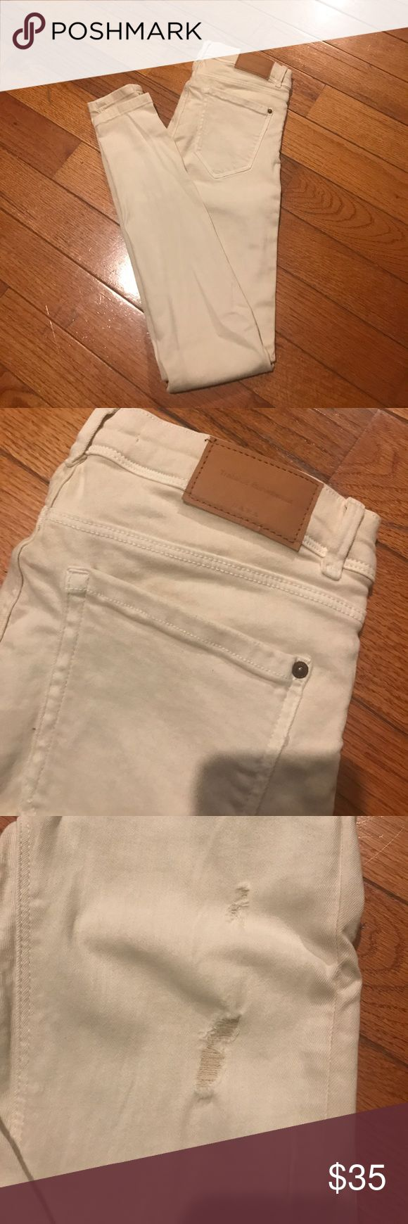 Zara trafaluc super skinny jeans NWT Zara Trafaluc super skinny jeans. Off white color. Mild distress on front with vshaped back seams for a flattering shape. Low rise, size 36/EUR, size 4/US. Zara Jeans Overalls