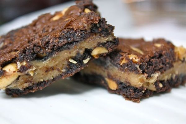 This cannot be too healthy, but so what? These rock! Peanut Peanut Butter Brownies!Peanuts, Mmmmmm Food, Stuff, Peanutbutter Brownies, Yummy Food, Peanut Butterbrowni, Brownies Recipe, Peanut Butter Brownies, Peanut Peanut