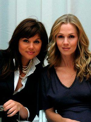 Tiffani Thiessen and  Jennie Garth of BH 90210