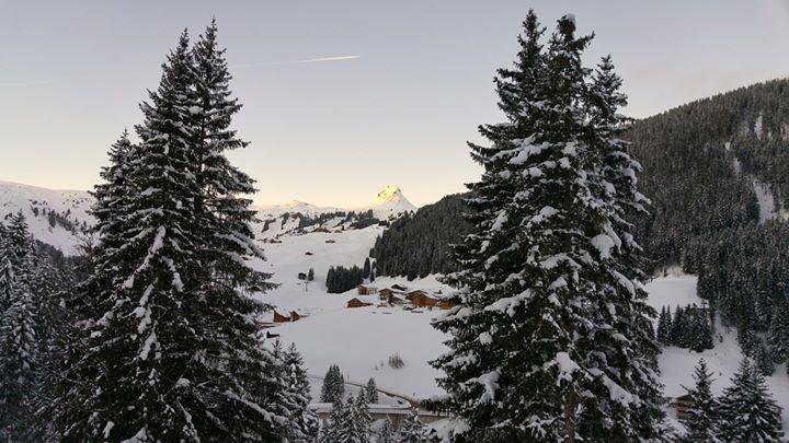 So schön geht ein perfekter Skitag langsam zu Ende :-)  #topofthemountain #damüls #schneereich