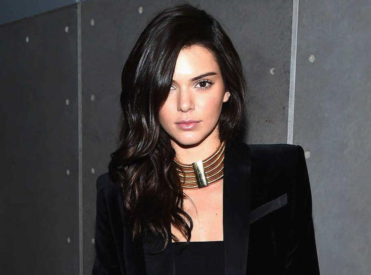 Kendall Jenner Defends The Kardashians Against Attacks From Caitlyn Jenner! #CaitlynJenner, #KendallJenner, #KrisJenner, #Kuwk, #TheKardashians, #Tsoml celebrityinsider.org #Entertainment #celebrityinsider #celebritynews #celebrities #celebrity