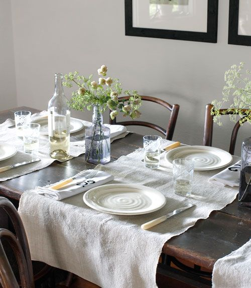 i love this table: Dining Rooms, Places Mats, Tables Sets, Rooms Decor Ideas, Rustic Tables, Dinners Parties, Tables Runners, Tablemat, Flour Sacks