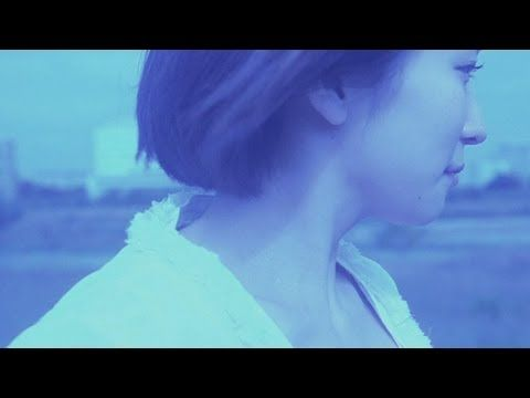 indigo la End 「白いマフラー」 (Official Music Video), via YouTube.