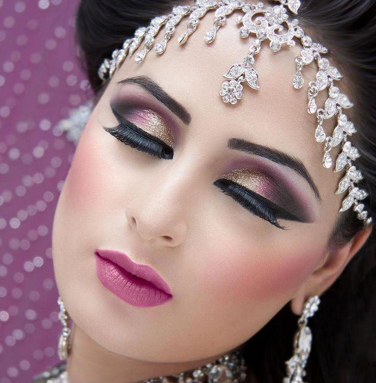 Arabic Bridal Dark Eyes Makeup Ideas | Dark Eyes makeup Tips http://clothingpk.blogspot.com/2015/08/arabic-bridal-dark-eyes-makeup-ideas.html