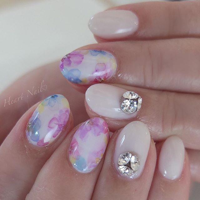 シフォンフラワー♡ #nails#nail#nailart#nailstagram#gelnails#nailart#ネイル#ネイルアート#ネイルデザイン#ネイリスト#ネイルサロン#大人可愛い#大人ネイル#上品ネイル#オフィスネイル#ジェルネイル#シンプルネイル#野田市ネイル#ブライダルネイル