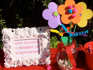 Make Grandma a bouquet of flowers a Little Red Riding Hood activity from Oh Sugar Events.