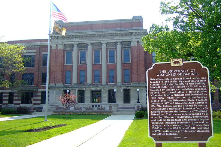 In 1909, Milwaukee Normal School moved to Old Main, renamed Mitchell Hall in 1964.Colleges Life, Uwm Milwaukee, Milwaukee Normal, Normal Schools, Mitchell Hall, Renamed Mitchell, Pictures Perfect, Perfect Places, Schools Moving
