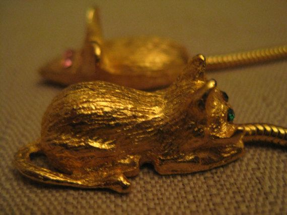 RARE Un Used Vintage Rhinestone Mouse by vtseredipityboutique