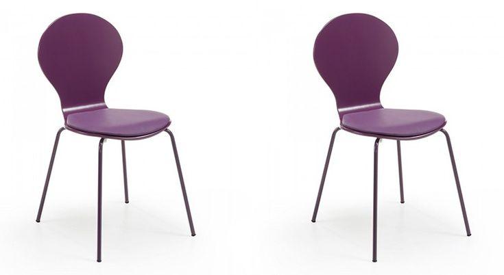 Pantone a annoncé la couleur de l'année 2018 : l'Ultra-Violet. On vous propose 10 accessoires tendances pour l'adopter dans son intérieur.