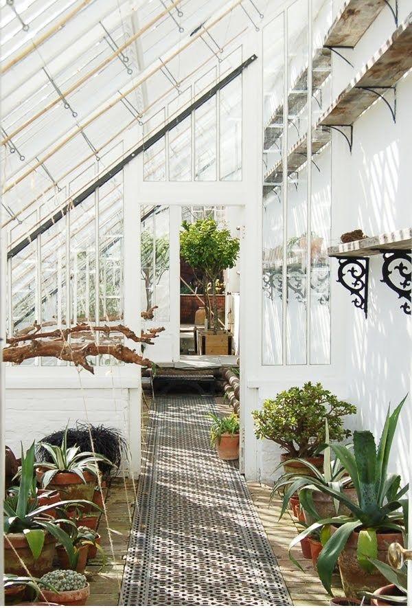 The Lost Gardens of Heligan. #bringthekids #kidandcoe https://www.kidandcoe.com/city-scout/cornwall/charlestown