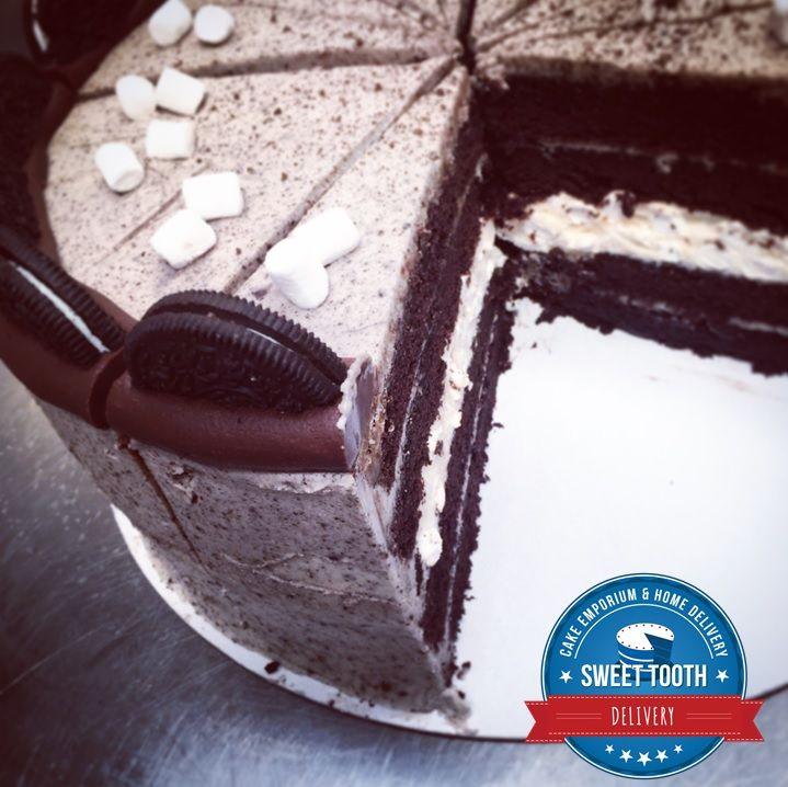 Oreo Fluff Cake #brownies #chocolatebrownies #chocolate #peanutbutter #peanutbutterbrownie #malteaserbrownie #malteaser #delivery #caketakeaway #cakedelivery #durham #northeast #desserts #dessertdelivery #cakes #waffles #whitechocwaffles #oreos #cupcakes #rainbowcupcakes #flowercake #specialcake #mothersdaycake #icecream #shake #etonmess #oreocake
