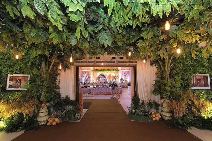 Pernikahan Adat Jawa Kental di Kota Semarang - RESEPSI - DEKORASI