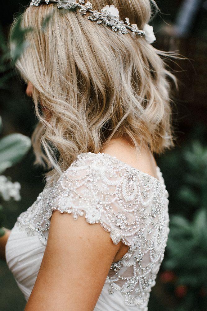 Kurze blonde bob mit zerzausten wellen | Hochzeit Haar | Hochzeit Haar Ideen #hoch …   – rustic wedding