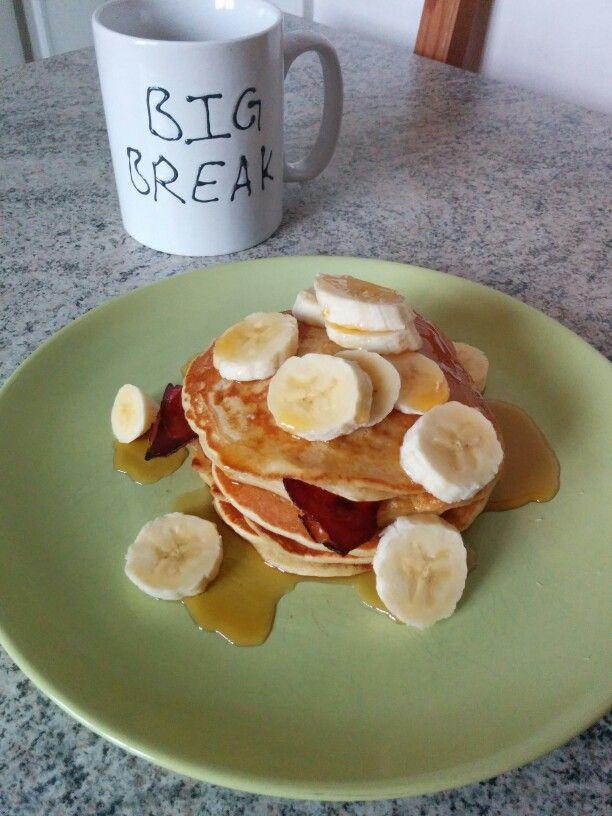 Erdnussbutter Pancakes mit Speck und Banane