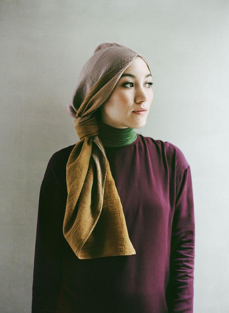 Nice idea to wear scarf by Hana Tajima
