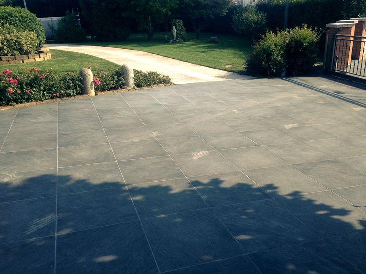 Realizzazione di pavimento esterno - External floor construction