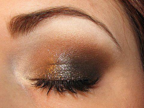 Chocolate smoky eyes