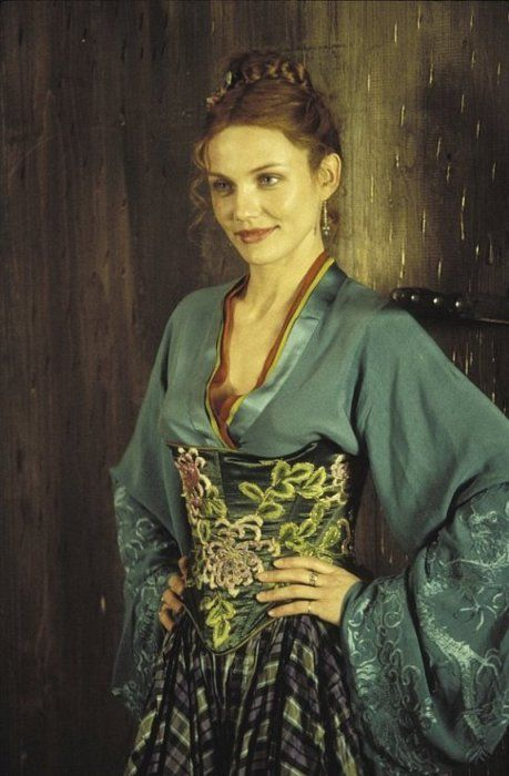 Cameron Diaz as Jenny Everdeane in Gangs of New York (2002).
