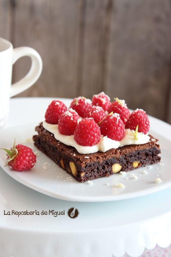 Brownie de Pistachos,mascarpone y frambuesas