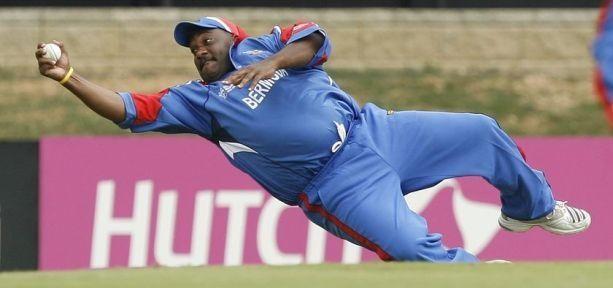 Worlds fattest cricketer