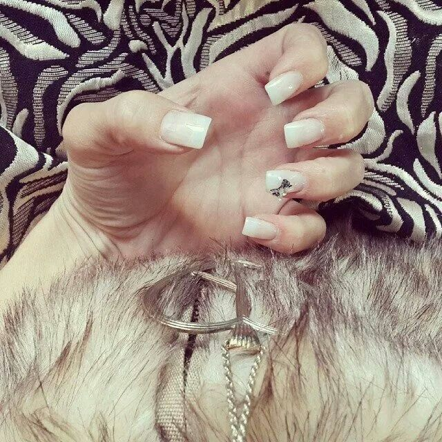 Natural with a Bow #allnatural #bow #weddingnails