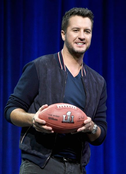Luke Bryan Photos Photos - Singer songwriter Luke Bryan speaks onstage at the Super Bowl LI Pregame Show Press Conference on February 2, 2017 in Houston, Texas. - Super Bowl LI Pregame Show Press Conference
