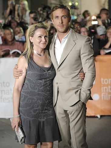 Ryan and Donna Gosling... CelebCon - Stars with their mums | News.com.au