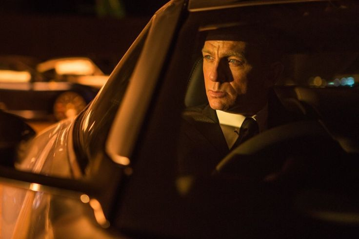 Everything That Made Daniel Craig's Bond Great Is Now Bringing Him Down