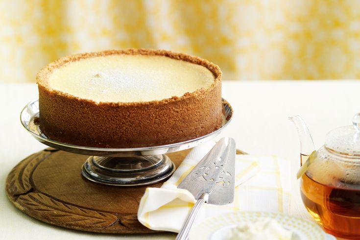 Easy baked lemon cheesecake