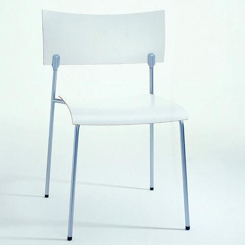 Chip  Piiroinen Chip, een stoel van PLAN@OFFICE ontworpen door Piiroinen.