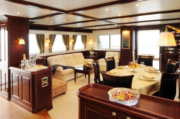 È tempo di estate e di intere giornate al mare. E per vivere la bella stagione il meglio possibile n vi consigliamo di arredare la vostra casa galleggiante con il massimo che si possa avere in questo campo. In collaborazione con progettisti cantieri navali e armatori cerchiamo di mantenere i dettagli originali ed eleganti su queste affascinanti imbarcazioni  #yacht #yachts #yachtlife #sail #boat #sea #ship #vintage #sailboat #sailboats #luxury #lux #luxury #luxurylifestyle #yachting…