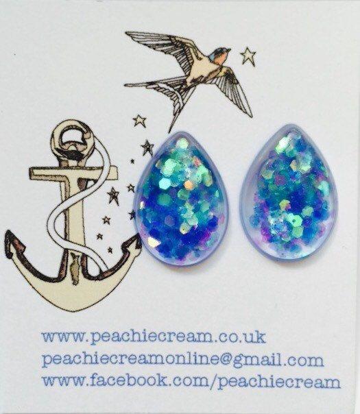 Tear drop glitter resin earrings by PeachieCreamOnline on Etsy https://www.etsy.com/listing/236360089/tear-drop-glitter-resin-earrings