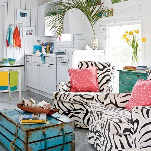 Coastal beach cottage — love the color palette. The trunk is so awesome!