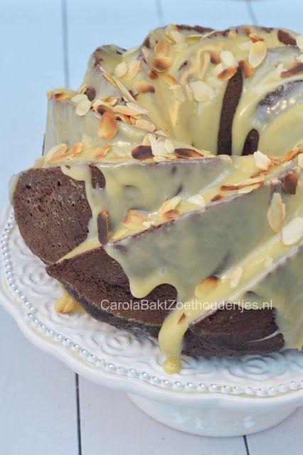 Een van de meest smeuïge cakes die ik ooit heb gebakken: chocoladecake met mayonaise, bedekt met een heerlijke laag Amarula ganache.