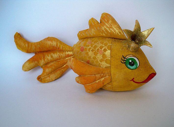 Золотая рыбка в подарок на 8 марта » Женский Мир