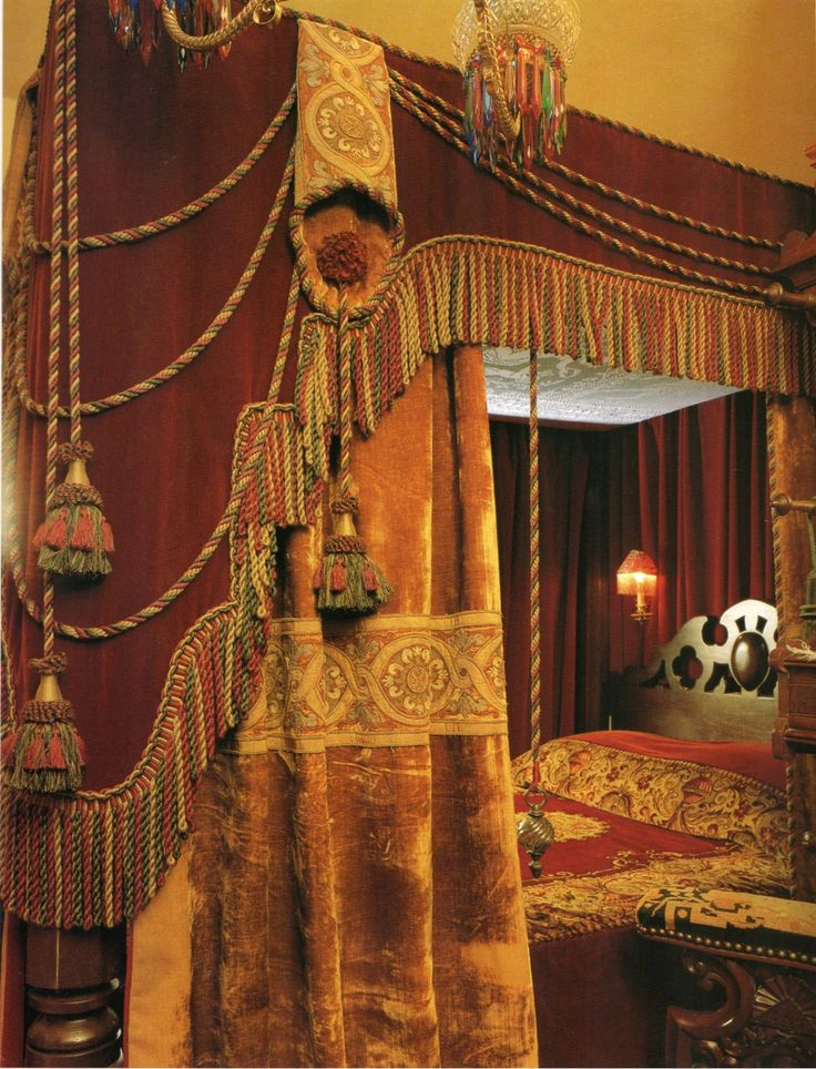 A dreamy four-poster bed drenched in Victorian finery.  ~Splendor