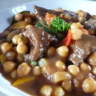 Fotografie receptu: Cizrna se zeleninou a masem