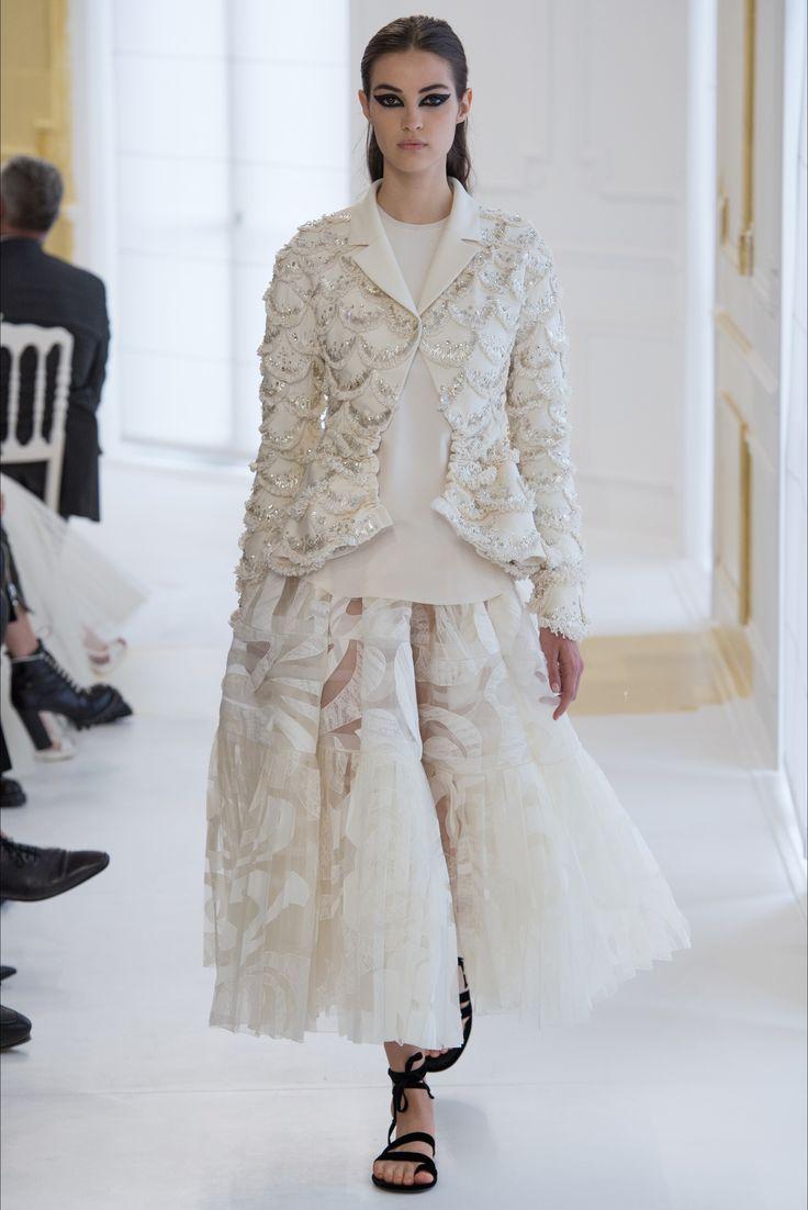 Sfilata Christian Dior Parigi - Alta Moda Autunno-Inverno 2016-17 - Vogue