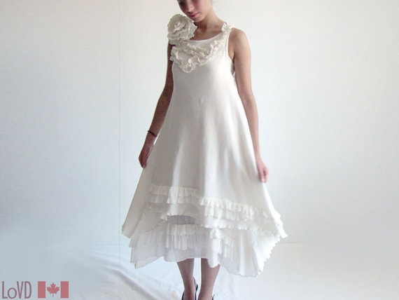 11 best images about gowns on pinterest vintage inspired for Vintage maternity wedding dresses