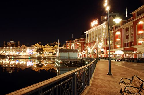 Have a late night stroll along the Boardwalk.  This is a beautiful spot at night and you can visit some of my favourite resorts like Boardwalk and the Beach Club.