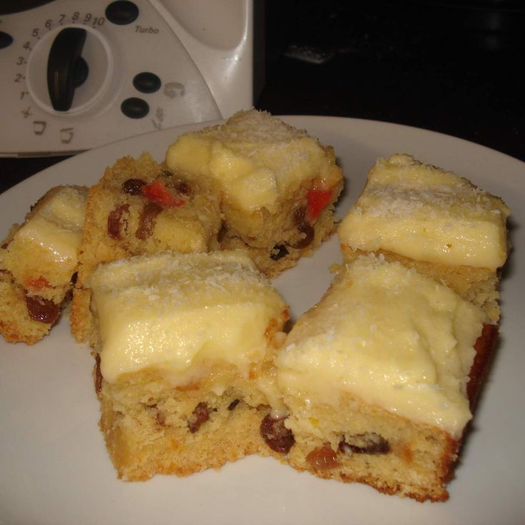 Recipe Spongy Fruit Slice by Lucy Dillon - Recipe of category Baking - sweet