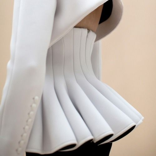 Sculptural Ruffles fashion design detail