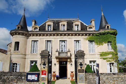 Review from Mapplr: Hotel Edward 1er: splendid chateau-hotel in the Dordogne, France