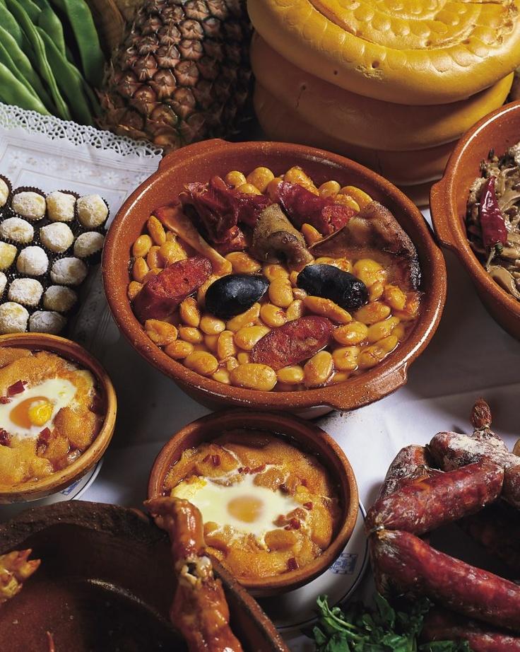 Judiones de La Granja, sopa castellana y yemas de santa teresa
