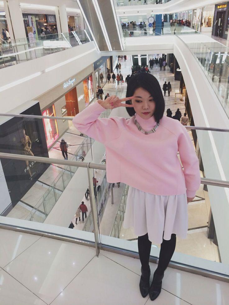 Choihaein's street fashion styling neoprene shirts in Tumesqure