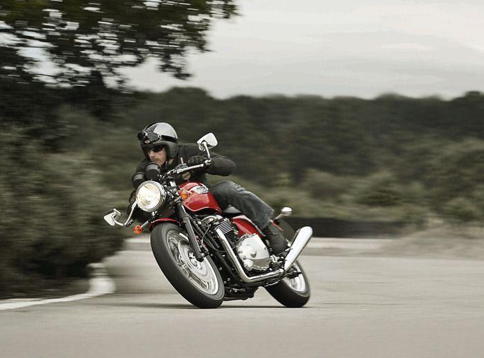 Triumph Thruxton 900 | Image: ©Triumph Motorcycles