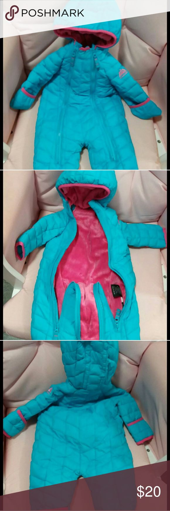 Winter snow suit coat size 3-6 months 3-6 month old bright blue winter snow coat with plush pink inner linning Jackets & Coats Puffers